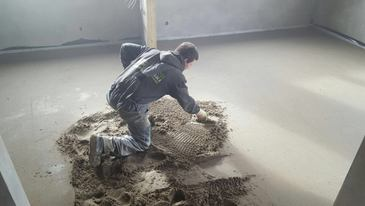 installing floor screed, high early strength screed, London, UK