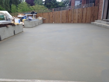 floor screeding, screed mixed with fibres, London, UK
